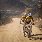 Christoph Sauser a Jaroslav Kulhavý při první etapě Cape Epicu